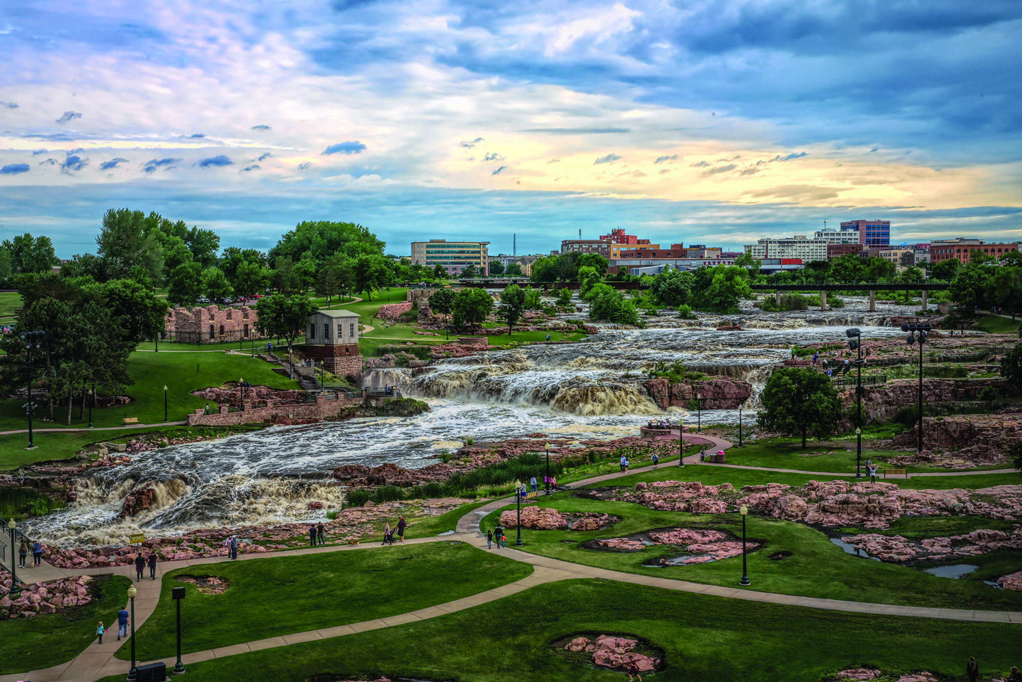The Top Things To Do in Sioux Falls include visiting the waterfalls