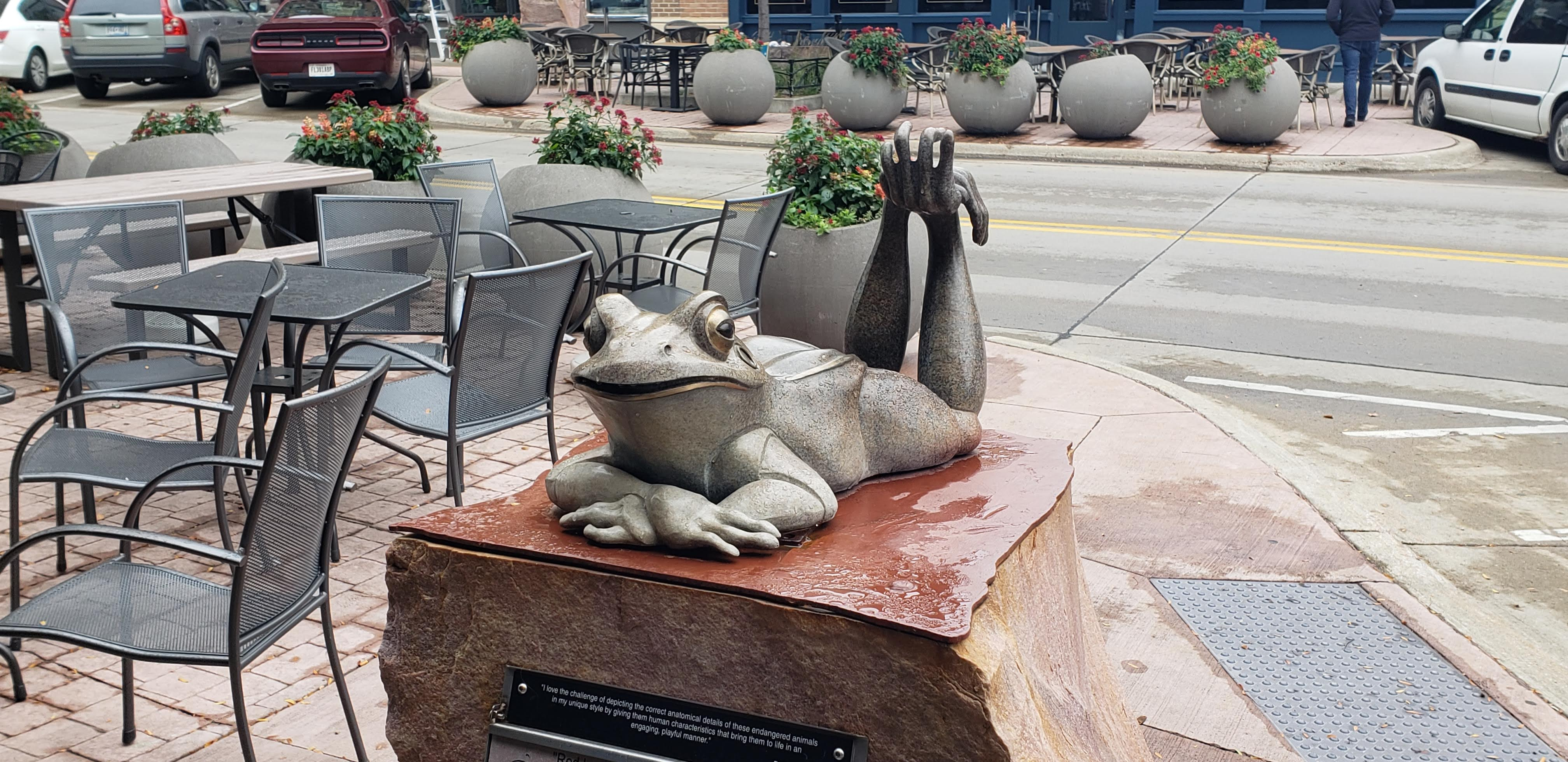 The Top Things To Do in Sioux Falls winning frog sculpture
