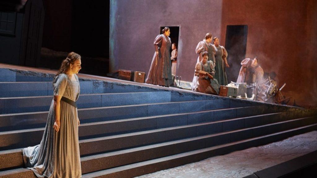 COC's Elektra: Triumphant & Emotional