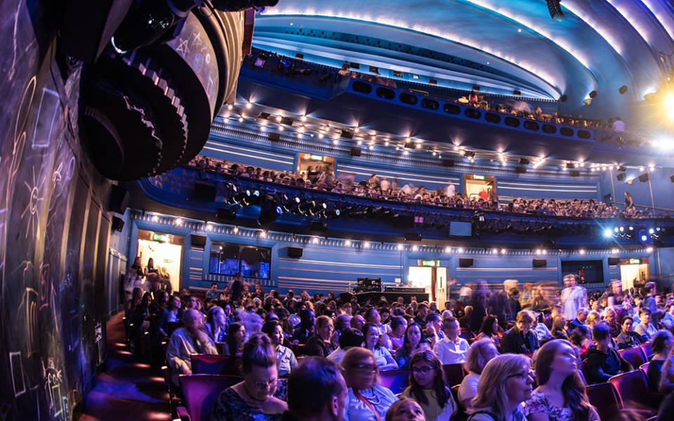 Cambridge Theatre Seating Plan Brokeasshome Com