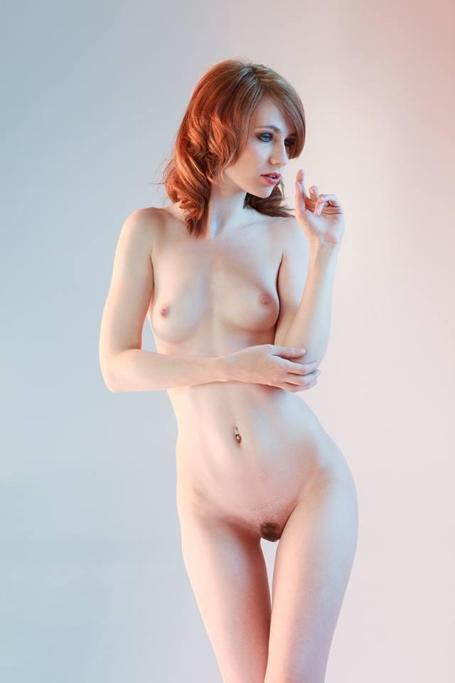 Arielle a nude model update