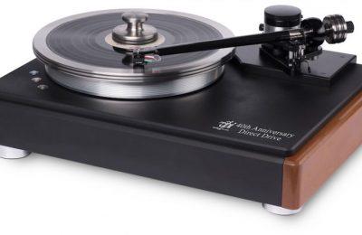 VPI juhlistaa 40-vuotista taivaltaan retrohenkisellä levysoittimella