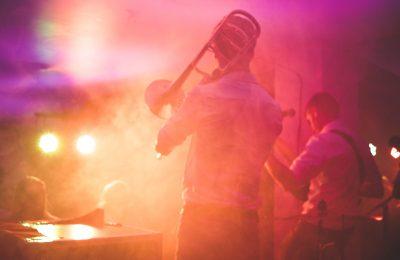Oletko jazzin ystävä? MajorHiFi listasi parhaat kuulokkeet sen kuunteluun