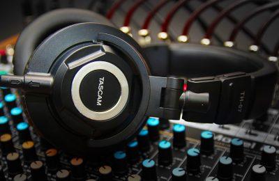 Tascam esitteli uudet TH-07 -tarkkailukuulokkeet – luvataan laadukkaan lähikenttämonitorin äänenlaatua