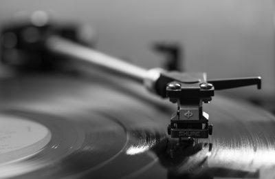 Levyarviot 4/2019: Rytmin ja äänen yhteensulautumia
