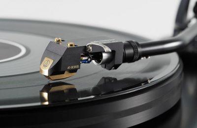 Audio-Technica päivitti legendaarisen mc-äänirasiansa
