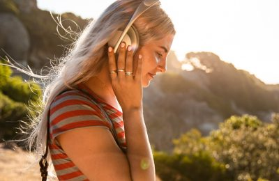 Bose esitteli uudet Noise Cancelling Headphones 700 -kuulokkeet – parannettu vastamelutoiminto ja selkeämpi puheääni mikrofoneissa