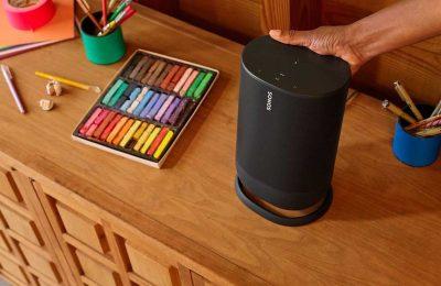 Sonos esitteli ensimmäisen mukana kulkevan kaiuttimensa – kotona toimii osana monihuonejärjestelmää