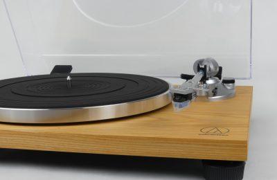 Kokeilu: Audio-Technica AT-LPW30TK -levysoitin – erinomainen lähtökohta vinyylin maailmaan