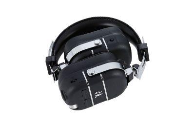 Boss esitteli vahvistinmallinnuksilla varustetut Waza-Air-kuulokkeet kitaristeille