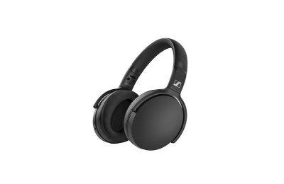 Sennheiserilta kahdet vastamelukuulokkeet ja yhdet Bluetooth-kuulokkeet