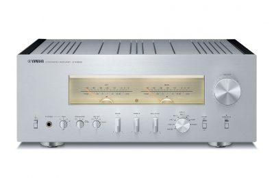 Yamahalta nostalgiahenkisiä integroituja vahvistimia