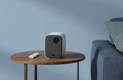 Kompakti Xiaomin videoprojektori mahdollistaa Netflix-leffaillat ja muut videoesitykset paikassa kuin paikassa