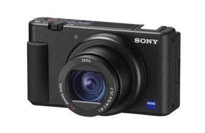 Sony ZV-1 VLOG-kompaktikamera jossa huippunopea tarkennus ja suuntaava mikrofoni
