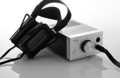 Poikkeuksellista paremmuutta – Testissä Staxin elektrostaattiset kuulokkeet