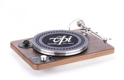 VPI:ltä uusi vinyylisoitin kuulokevahvistimella