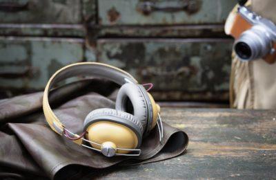 Panasonicilta retrohenkiset langattomat kuulokkeet