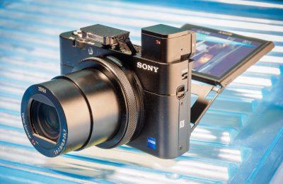 Sonyn pieni ja pätevä kompaktikamera
