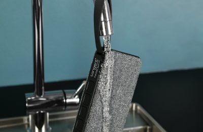 Tangentilta vedenpitävä bluetooth-kaiutin