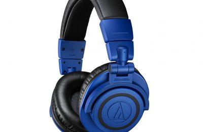 Audio-Technican monitorikuulokkeista sinimusta erikoisversio