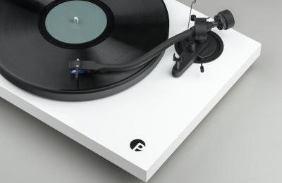 Pro-Jectilta audiofiiliversio Debut III -levysoittimesta