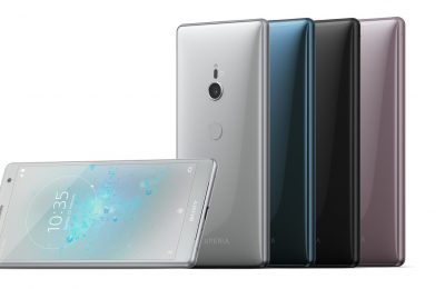 Sonyn lippulaivapuhelimet nyt kaupoissa – paljon tehoa myös kompaktissa koossa