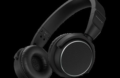 Pioneer DJ julkisti kompaktit kuulokkeet tiskijukille – toistoalue yltää 40 kilohertsiin