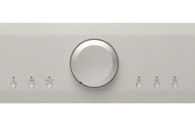 Musical Fidelity esitteli kaksi uutta laitetta – vahvistin ja cd-soitin kalliimpien mallien ominaisuuksilla