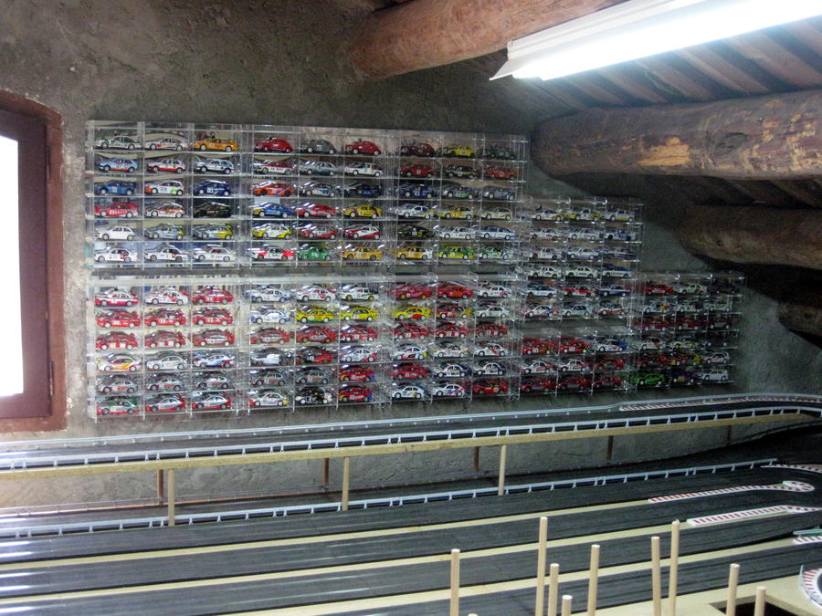 Expositor de metacrilato para coches a escala 1-18