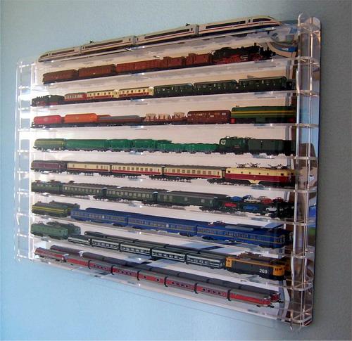 Vitrinas y expositores de metacrilato para trenes N