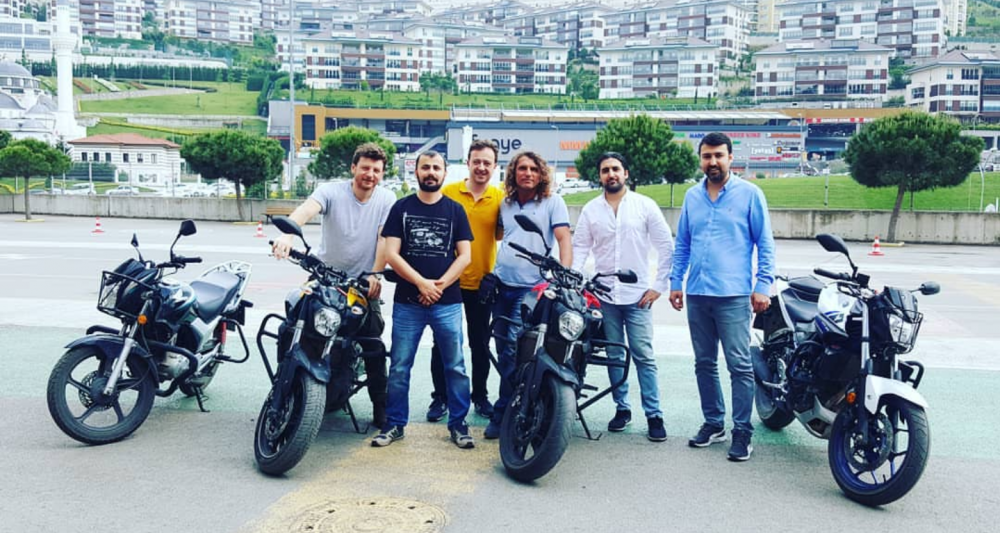 Maltepe Akademi: Küçükyalı Sürücü Kursu ve Özel Direksiyon Dersi