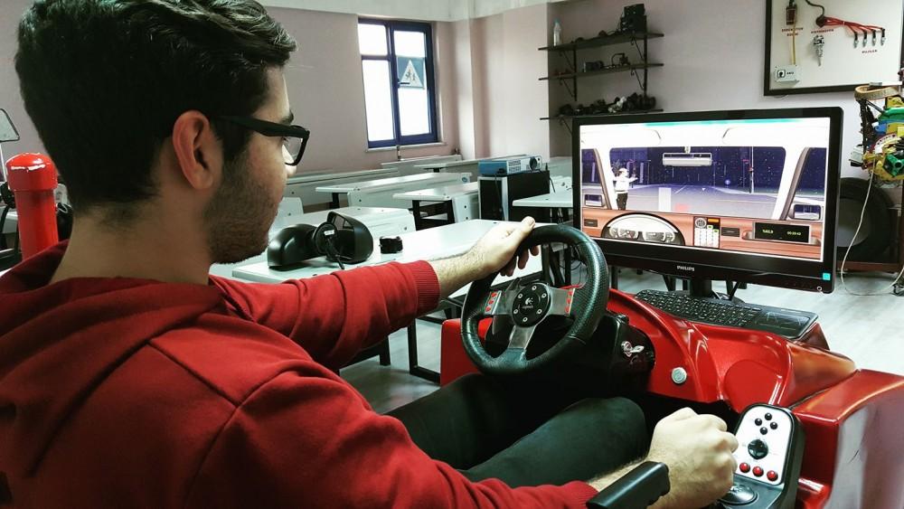 Maltepe Akademi Sürücü Kursu Otomobil ve Motor Ehliyeti