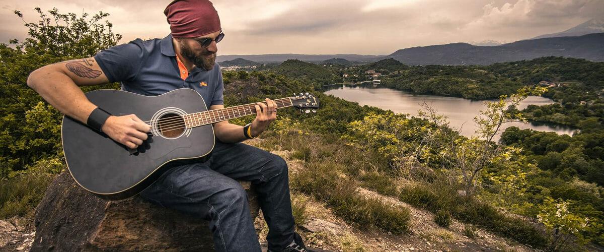 Gitar çalmayı öğrenmek için ne yapmak lazım?