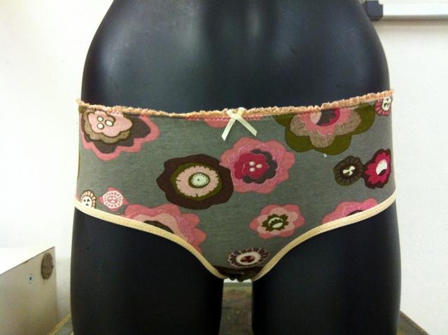 El taller de costura y lencería en otoño
