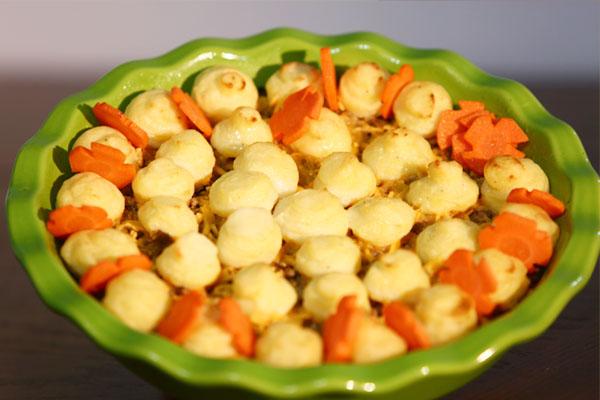 صينية البطاطس باللحم والجبن