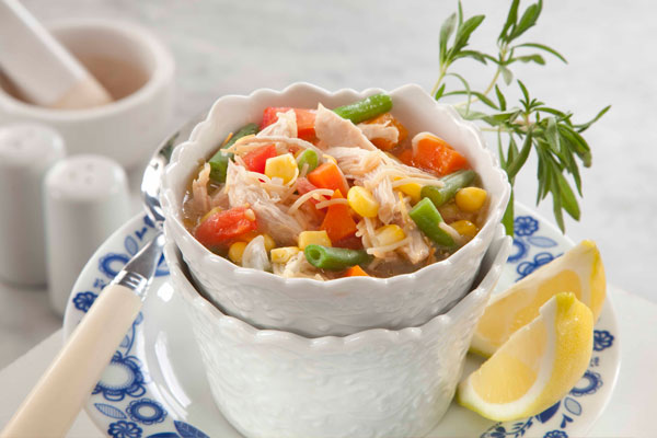 شوربة الدجاج والخضروات