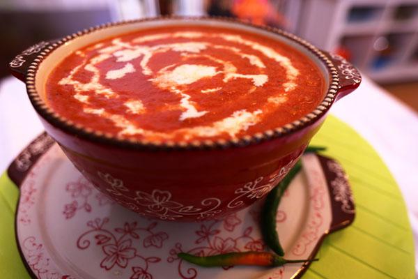 شوربة طماطم مشوي مع الخضراوات