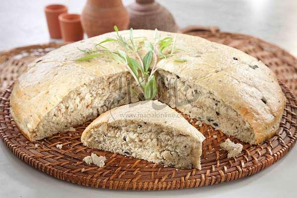 خبز البصل والزيتون
