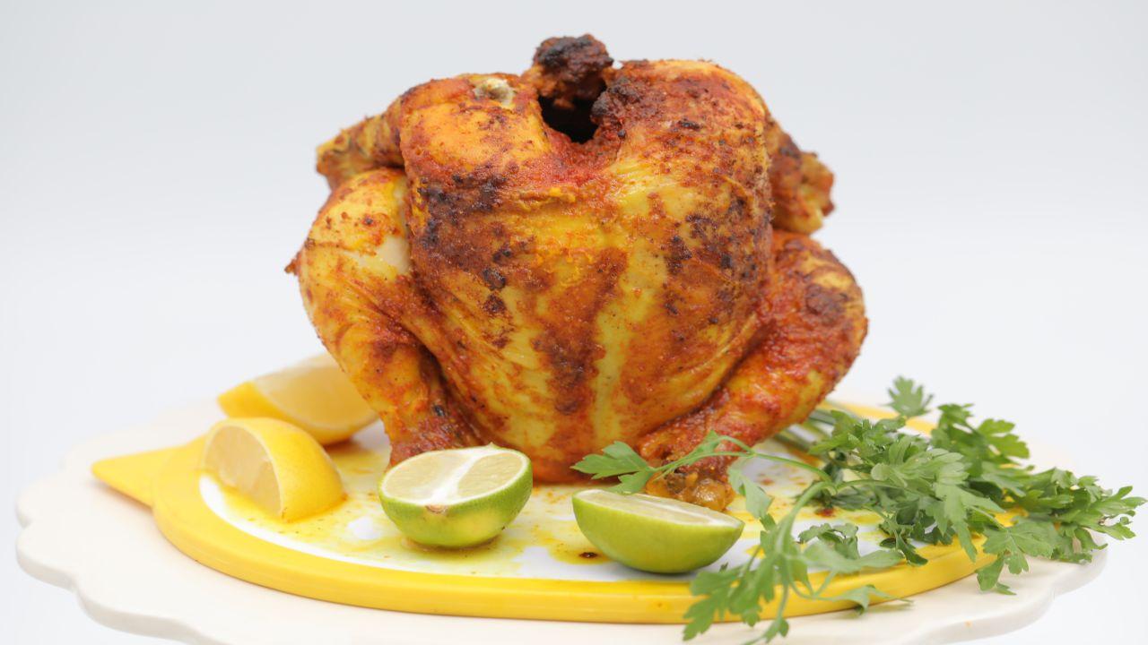 دجاجة في قالب الكيك