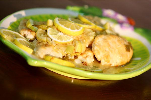 دجاج بصلصة الليمون