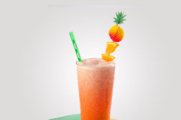 عصير البرتقال والموز بالفراولة