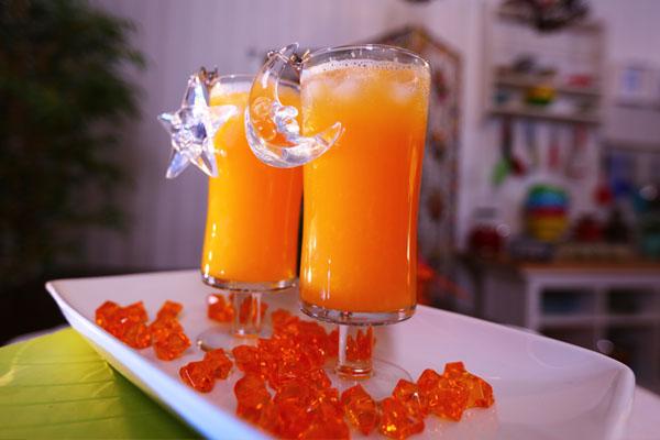 عصير البرتقال والشمام