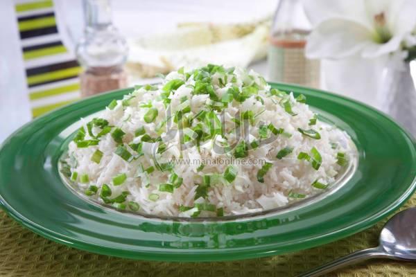 أرز بالزنجبيل والبصل الأخضر