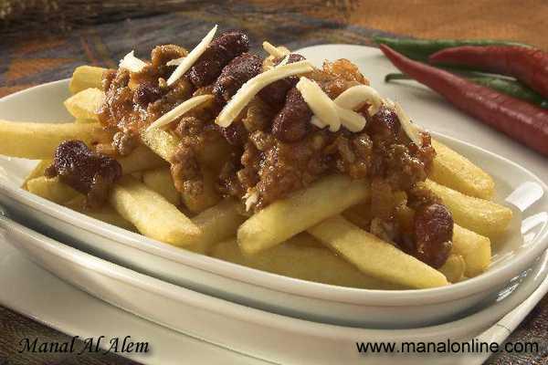 البطاطس المقلية مع صلصة اللحم
