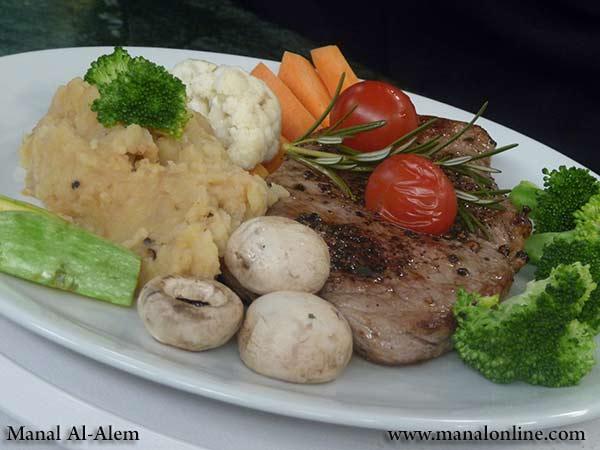 ستيك الفلفل الأسود مع الخضروات