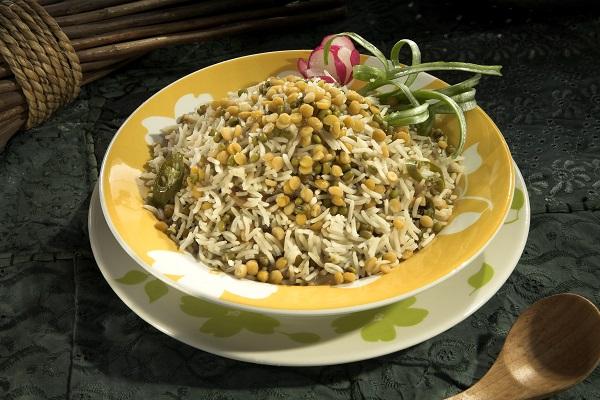 أرز بالعدس والحمص
