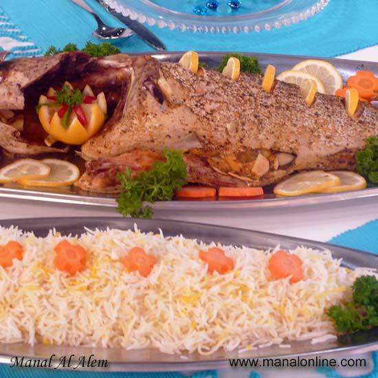 سمكة مشوية بحشو الثوم