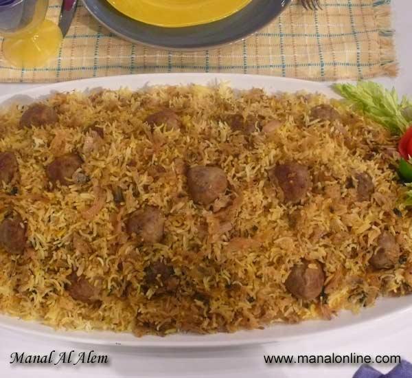 أرز مع الكرنب والكفتة