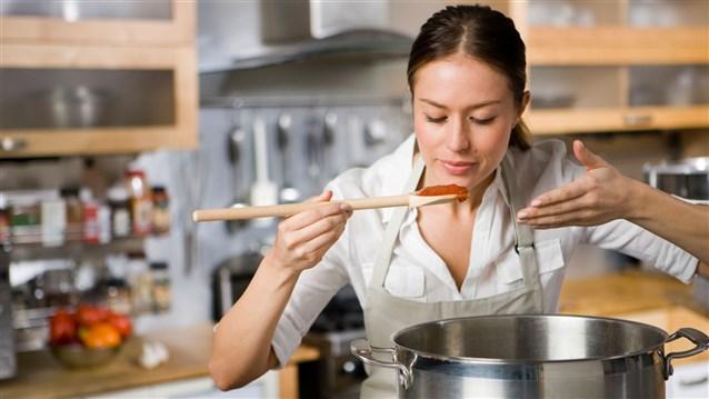 إحذري.. 4 أخطاء شائعة ترتكبينها خلال الطهي دون أن تنتبهي  - المشاهدات : 4.86K