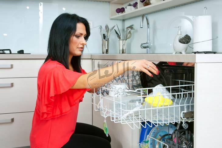 أسهل طريقة لتنظيف غسالة الأطباق